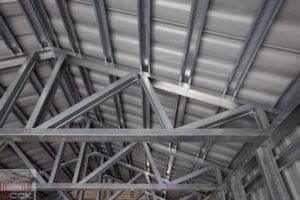 Крыша из металлического каркаса